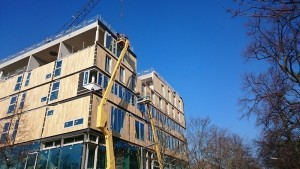 Fassade  während der Montage-Berlin